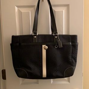 NWOT LG COACH SIGNATURE TOTE/DIAPER BAG